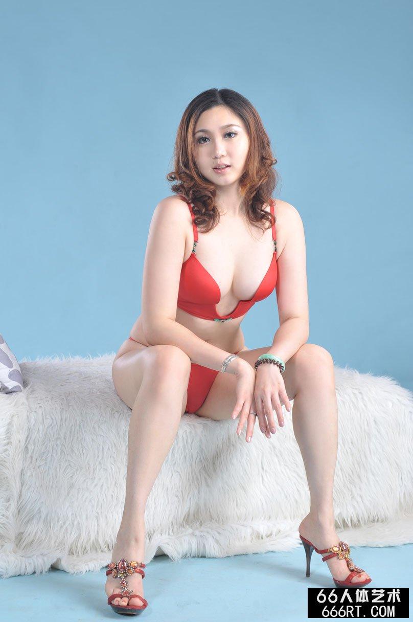 丰腴美模美惠10年6月6日棚拍人体
