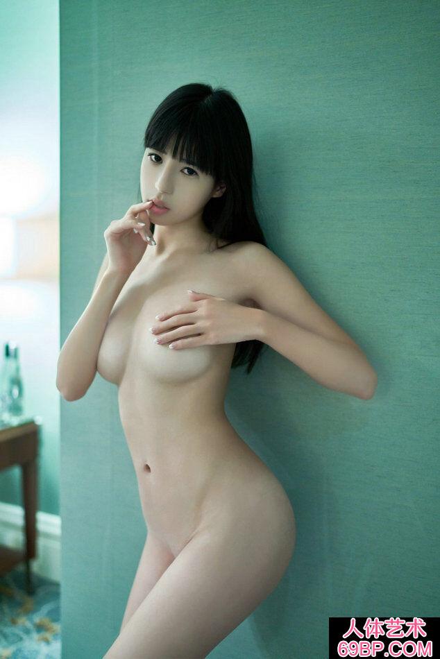 长头发妹子艾栗栗超唯美人体摄像