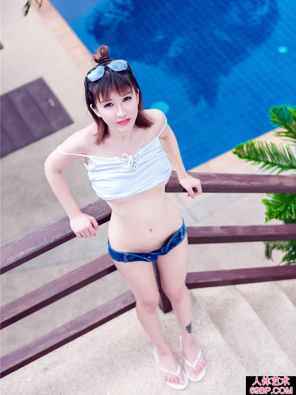 普吉岛海景酒店外拍时尚靓女k8内衣