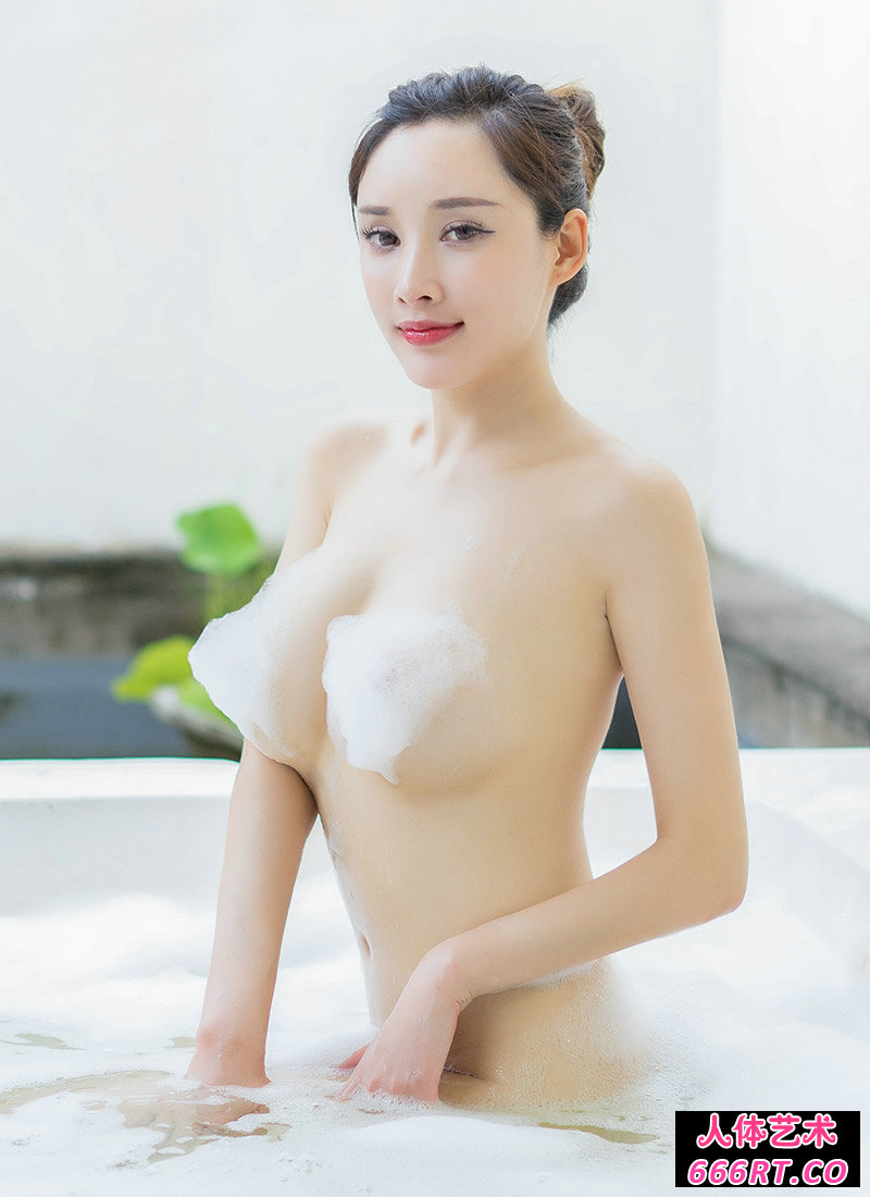 巨奶女神周研希居家洗浴私密人体艺术图片