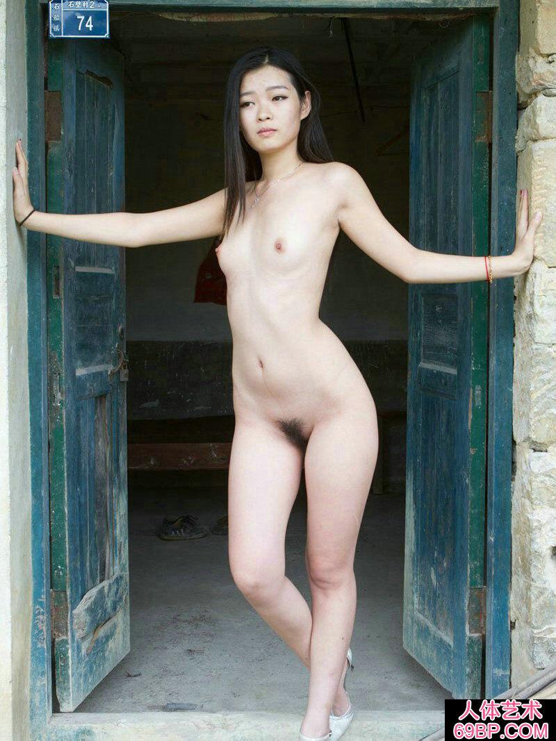 ��模李可老屋门前外拍人�w_欧洲美女人牲交换视频