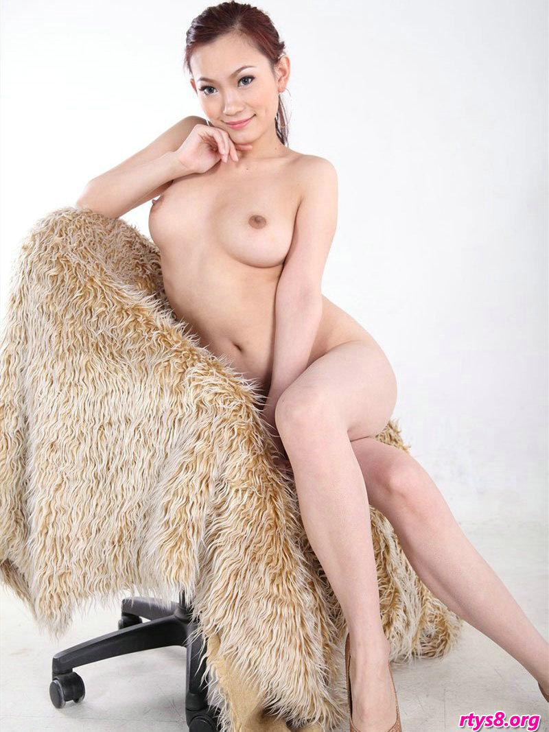 霸气十足的女神��模Meijun棚拍人体