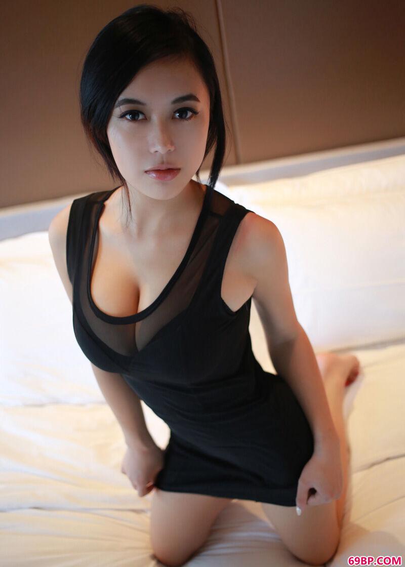 身材超好的国产靓女妩媚人体